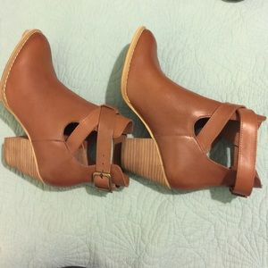 Reba Brown Ankle Boots!